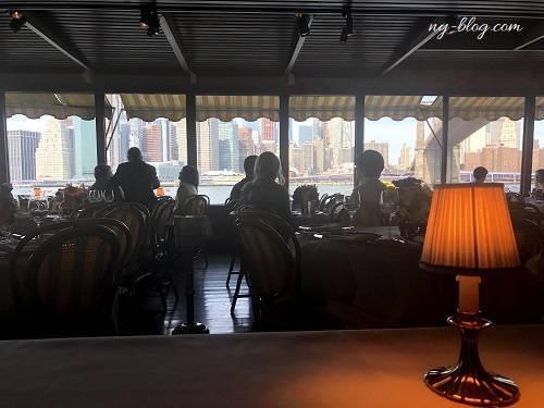リバーカフェでランチ