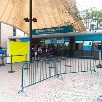 ニューヨーク水族館入口