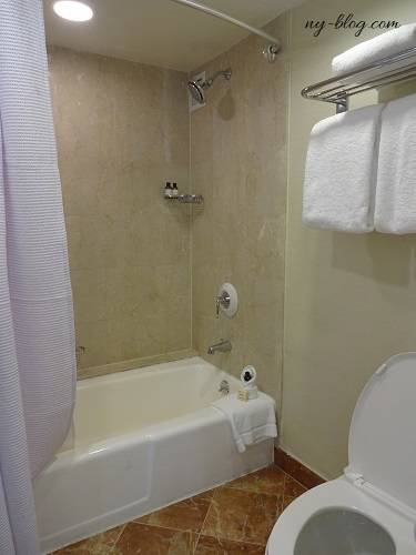 フェアモント・サザンプトンホテルのバスルーム