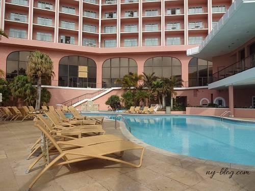 フェアモント・サザンプトンホテルのプール