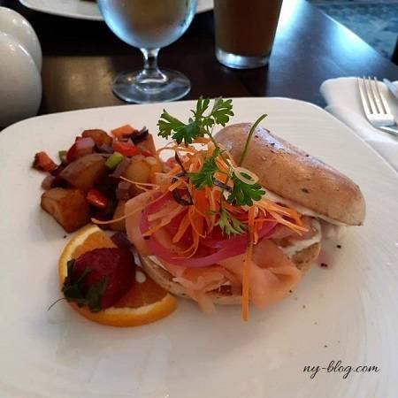 ローズドンホテルのベーグル朝食