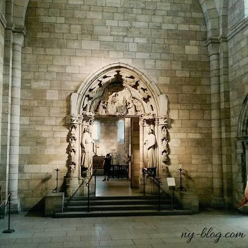 クロイスターズ美術館内の教会