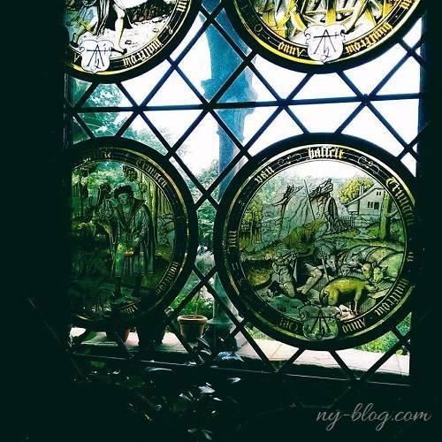 クロイスターズ美術館のステンドグラス