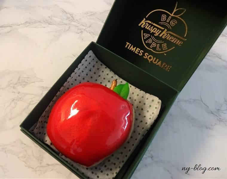 クリスピークリームのビッグアップルドーナツ