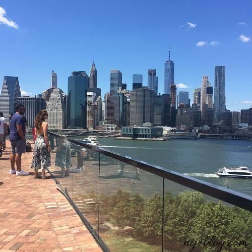 ワンホテルブルックリンブリッジから見るマンハッタンの景色