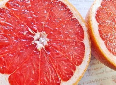 ルビー種のグレープフルーツ