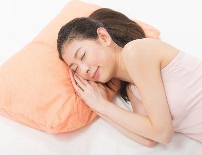 眠る妊婦さん
