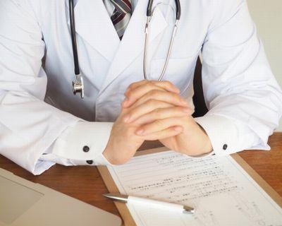 妊娠中の体重管理を指示する医師