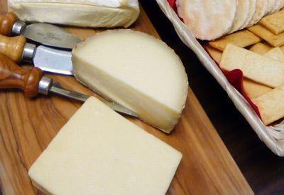 チーズの生食も危険性がある