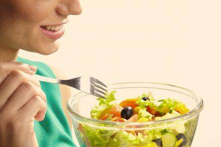 産後の栄養バランスを意識するママ