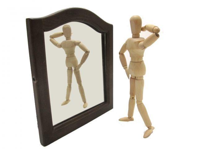ヒップアップ効果を鏡で確認する