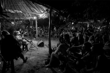irie islands koh phayamのジャムセッションシーン