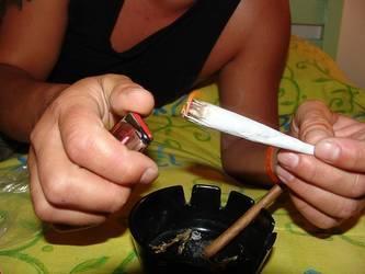 大麻、英語での誘われ方