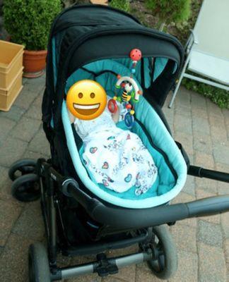 新生児初めてのお散歩