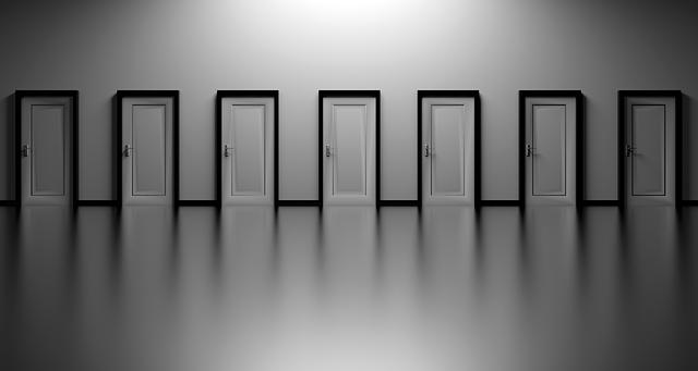 人生 選択肢 迷い ドア 扉