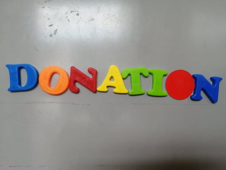 Donationと書いてあるマグネット