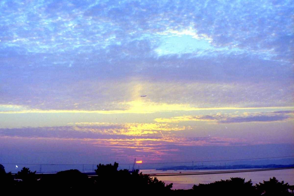 学生の頃見ていた夕日のイメージ