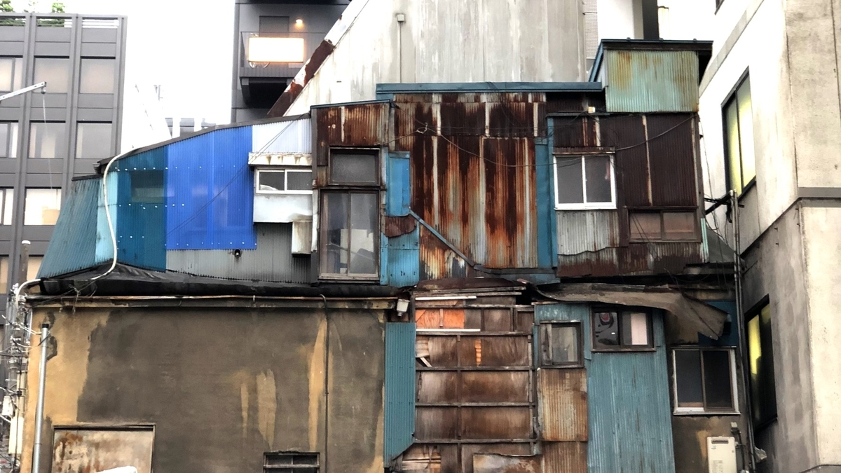 神田のパッチワークな建物image