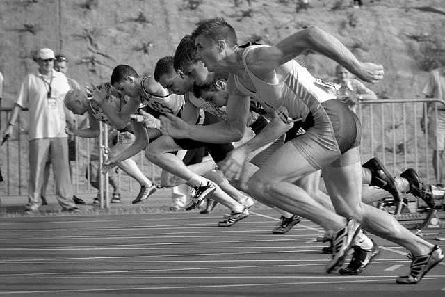 短距離走 男性 陸上 トラック競技 100メートル走