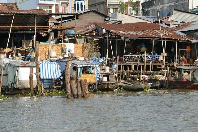 ベトナム メコン 川 船