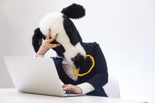 牛 パソコン ミスった MacBook ノートパソコン