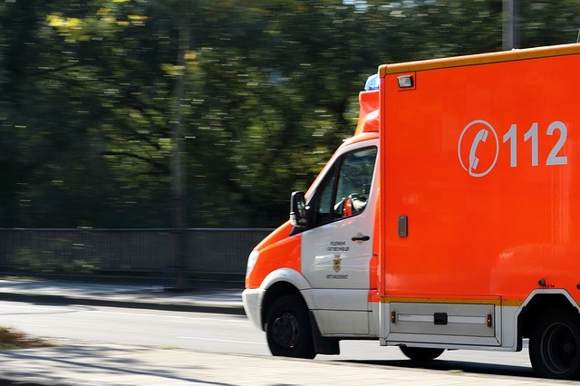救急車 緊急 通報 現場 急行