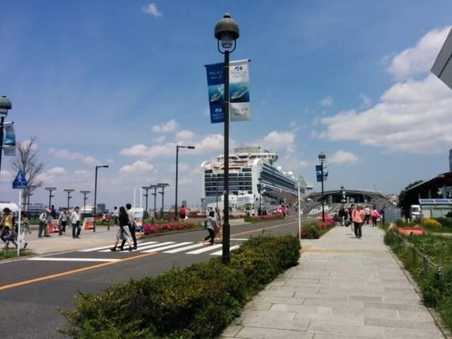 横浜大桟橋から見えたダイヤモンド・プリンセス