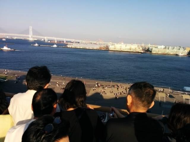 遠くなっていく横浜大桟橋