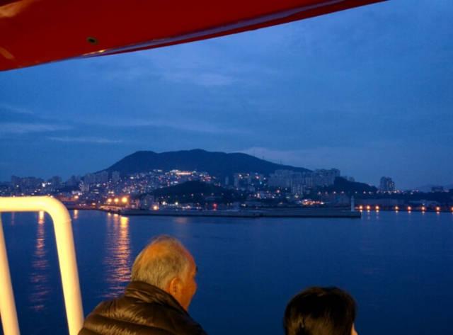 ダイヤモンド・プリンセスから見る釜山の夜景