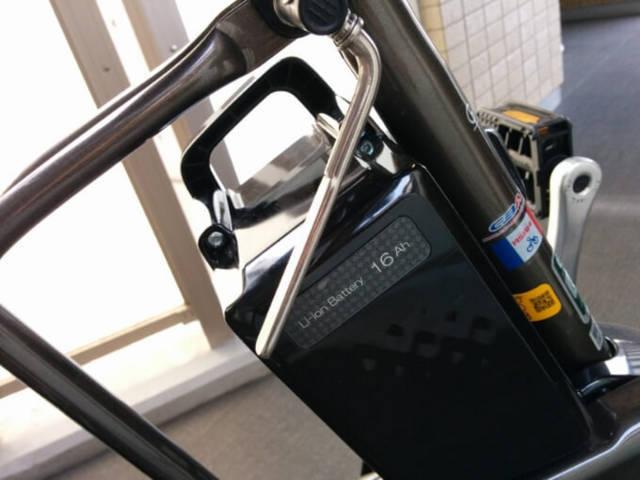 ギュットミニDXのサドル調整バー