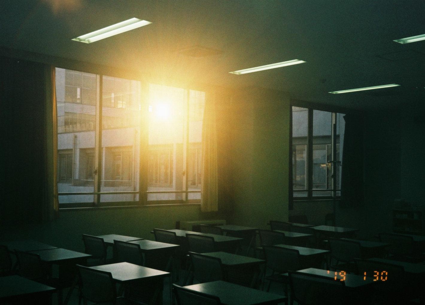 学校生活最後に振り返る「フィルムで残す、大切な友達との戻らない日々」