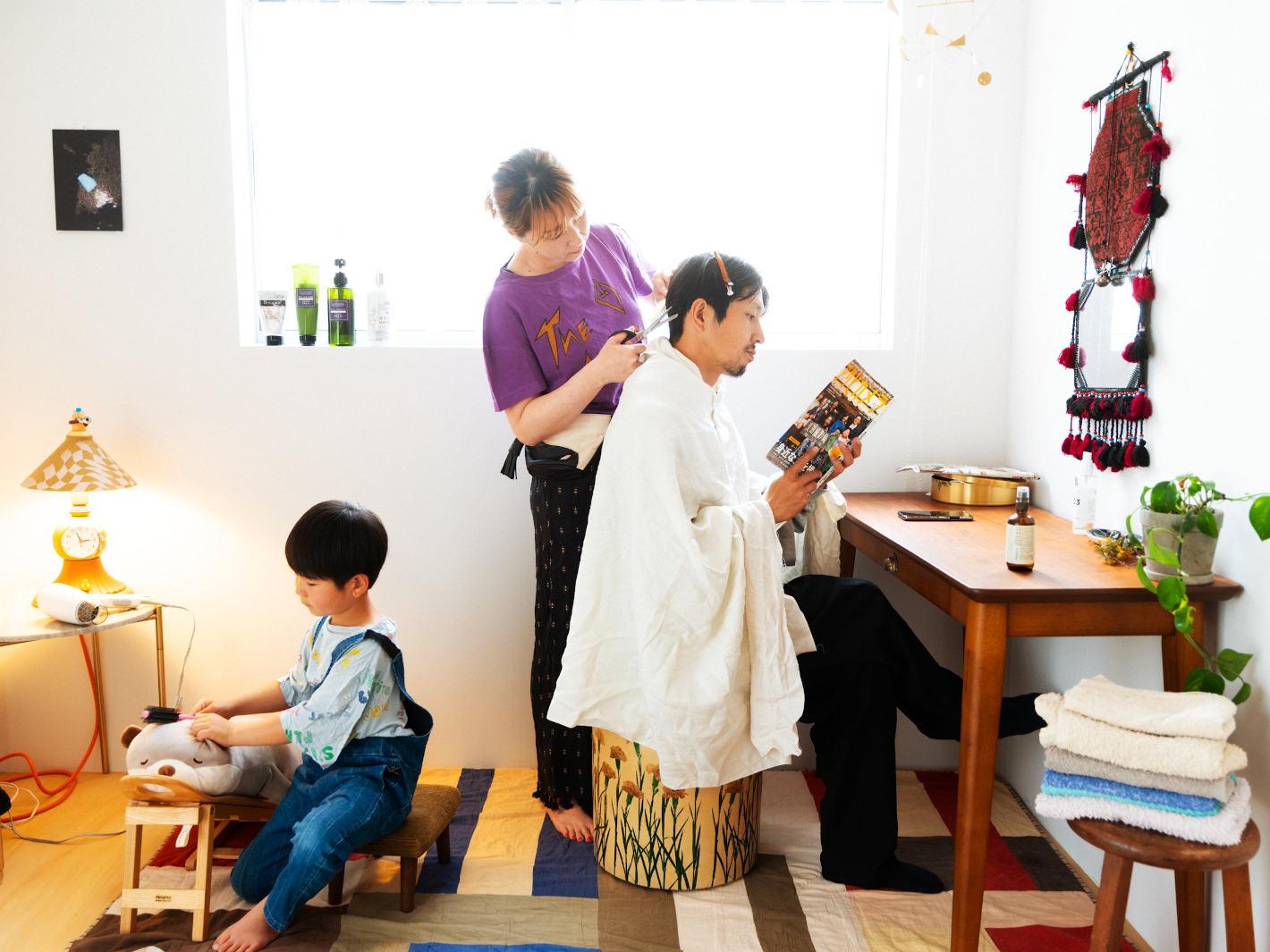 家族を撮り続ける写真家 浅田政志さんインタビュー – 家族は奇跡。ありふれた日々にこそ価値がある