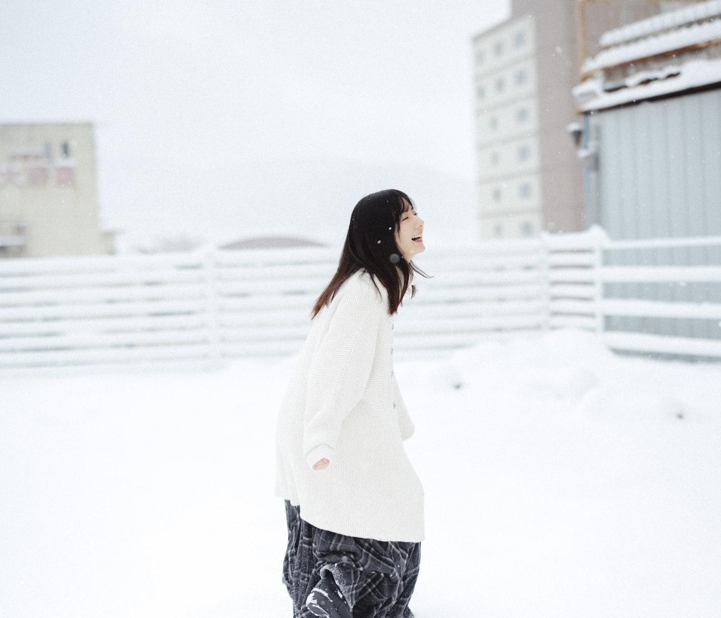 写真家 酒井貴弘が描く、冬の物語 – 雪の記憶、光のかけら