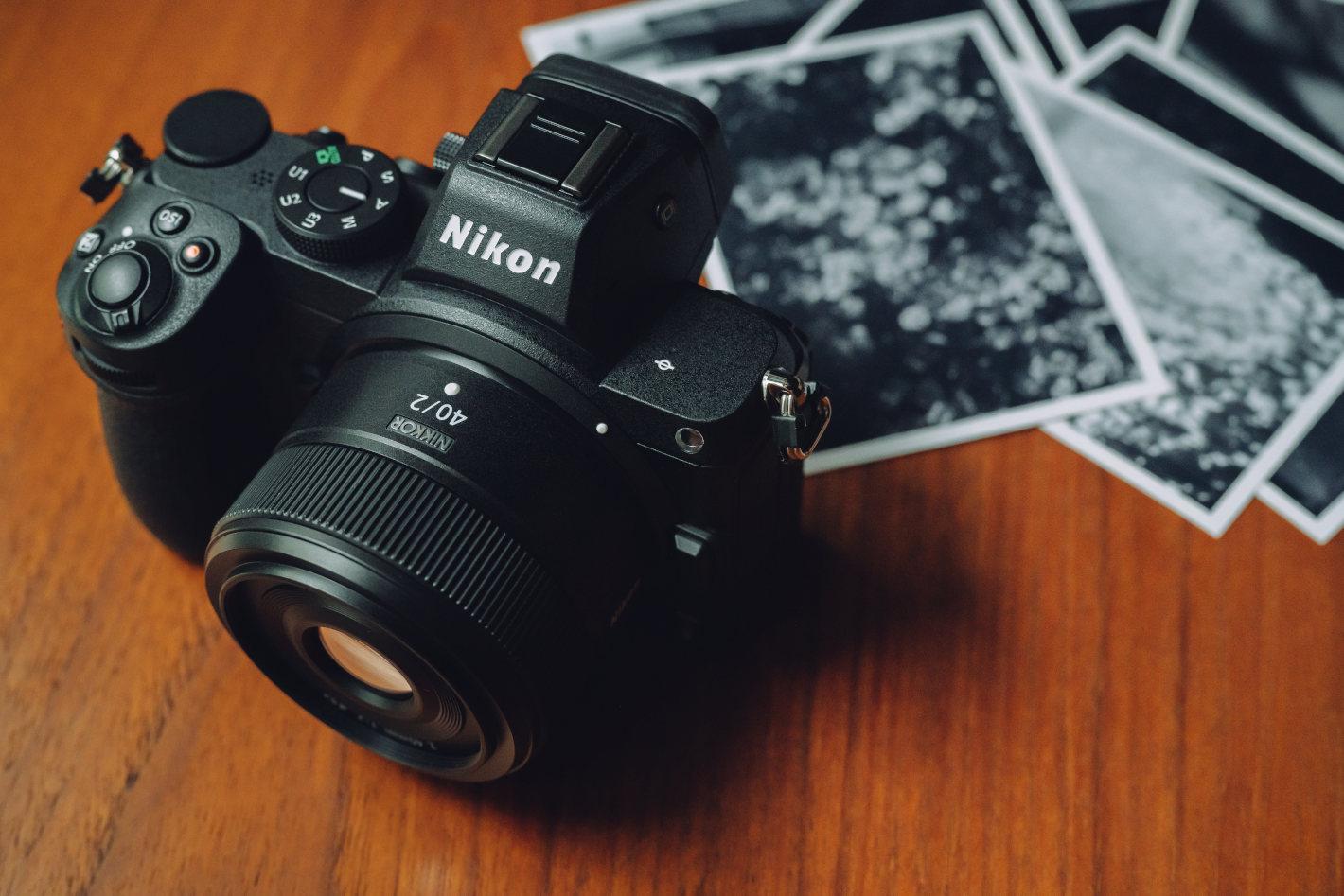 フォトグラファーが40mm単焦点をポートレートに使う理由「50mmと35mmのいいとこどりの万能レンズ」