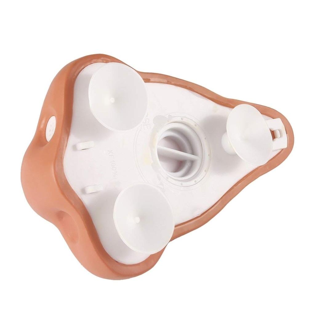 鼻の形をしたソープディスペンサー。裏側のツマミからソープの補充ができることを知ってもらうための裏面