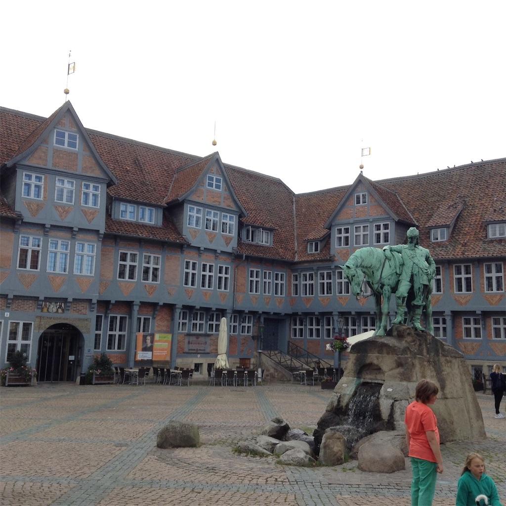ドイツの町wolfenbüttelの区役所と町の広場