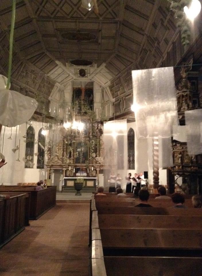 ハルバーシュタッド夜の教会イベント2015年、合唱中