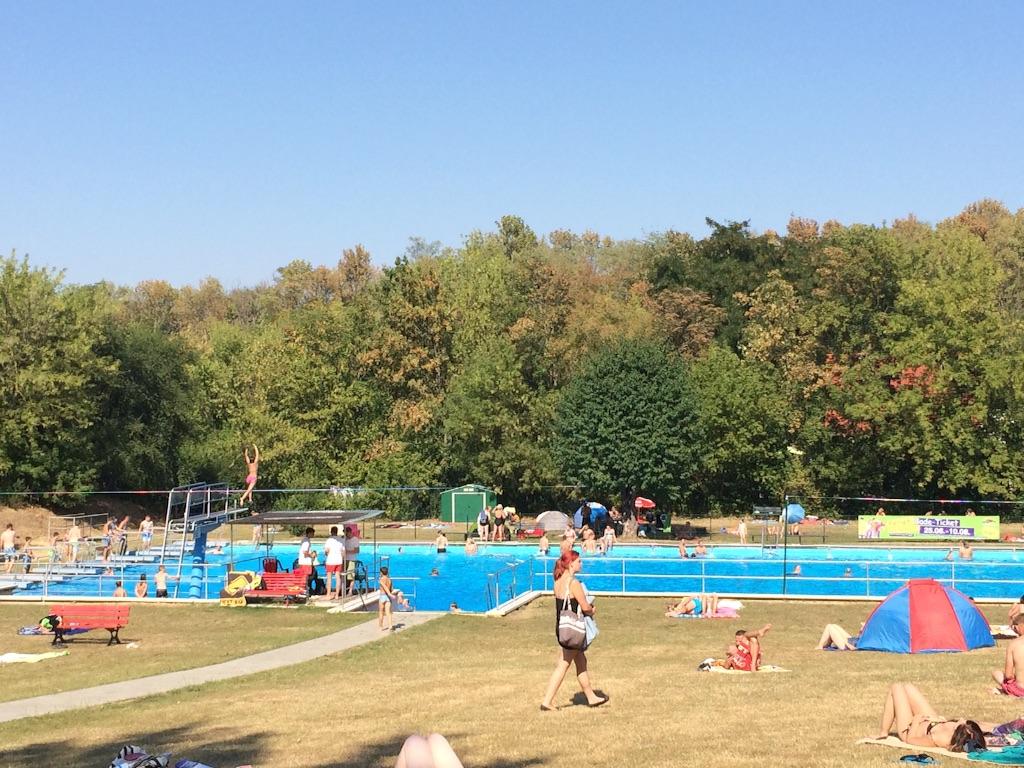 ドイツの野外スイミングプール