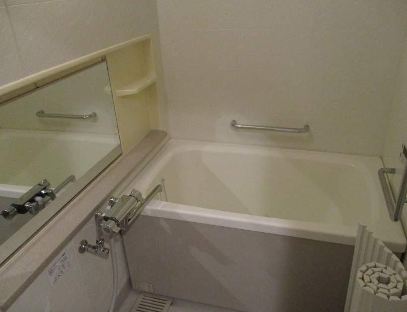 香櫨園フラットA棟(5階部分・72.42㎡) 浴室