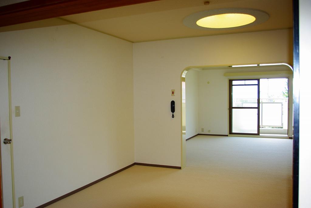 メゾンドール苦楽園(3階部分・92.98㎡) リビング