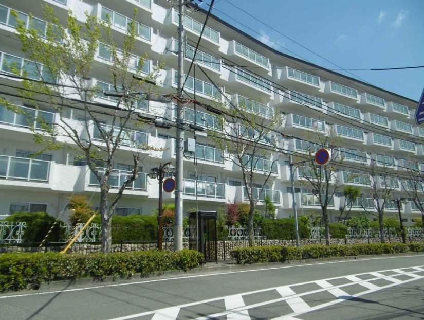 ローズハイツ芦屋(3階部分・63.52㎡) 外観