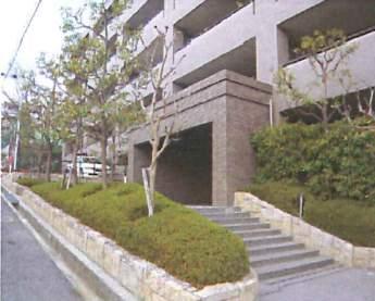 ロイヤルアーク芦屋2(4階部分・79.89㎡) エントランス
