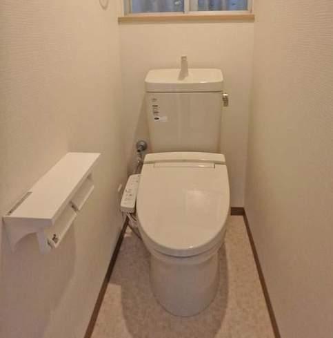 西宮市甲子園口2丁目中古一戸建て(土43.2㎡-建62.34㎡) トイレ