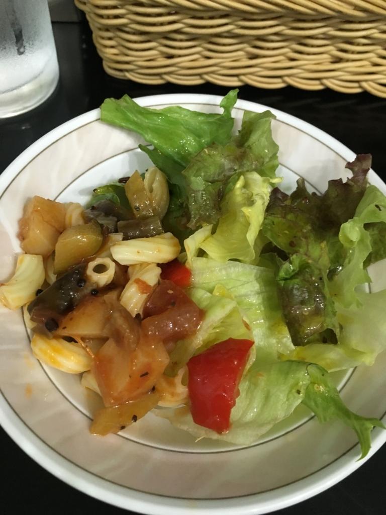 西新宿五丁目「コチン二ヴァース」、今週のスペシャルメニューのサラダ