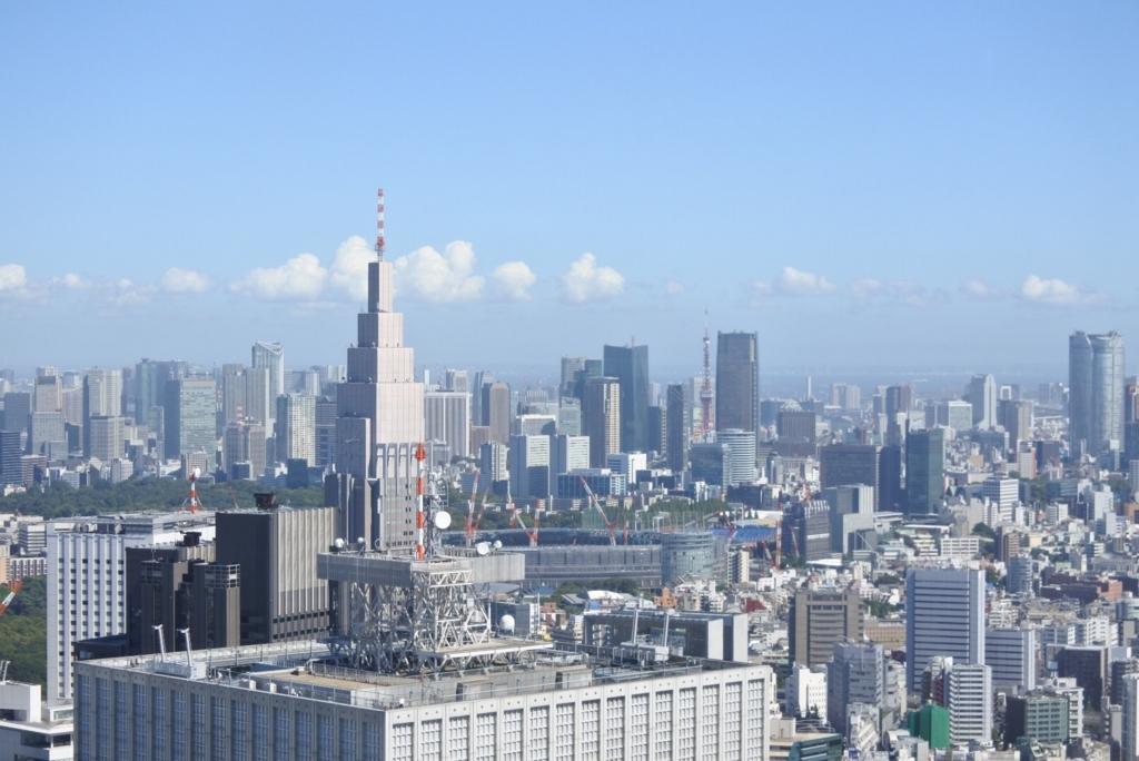 東京都庁展望室(展望台)から眺める、東京タワー、新国立競技場など