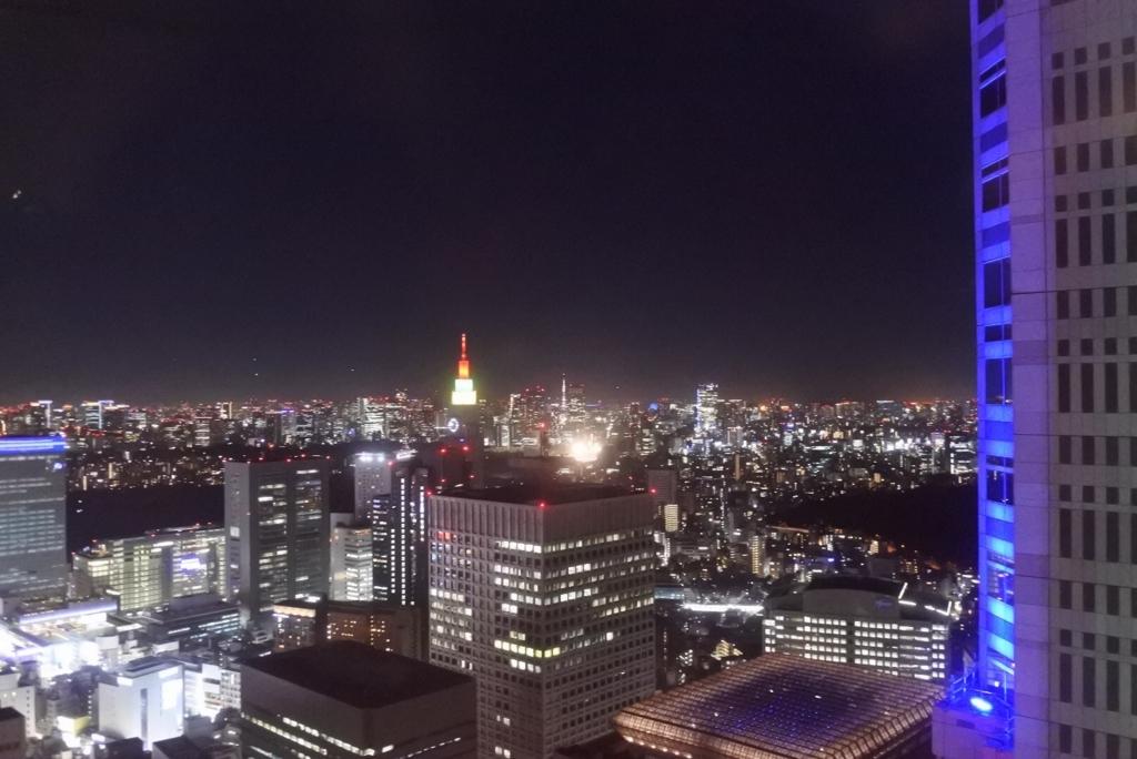 東京都庁展望室(展望台)からの夜景(ドコモビル側)