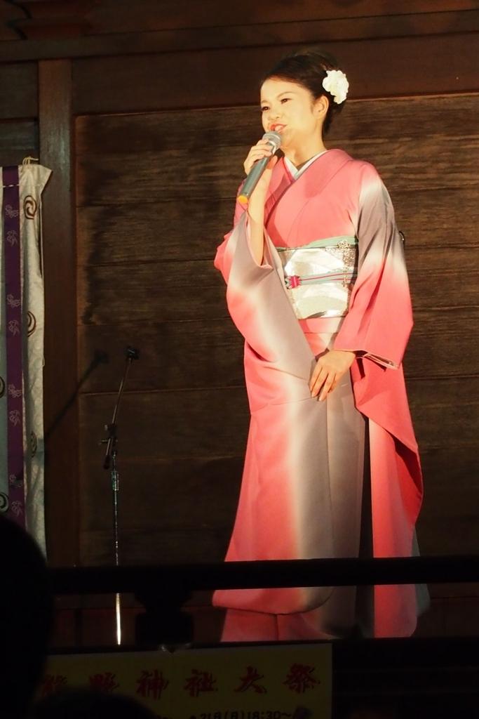 十二社熊野神社のステージ