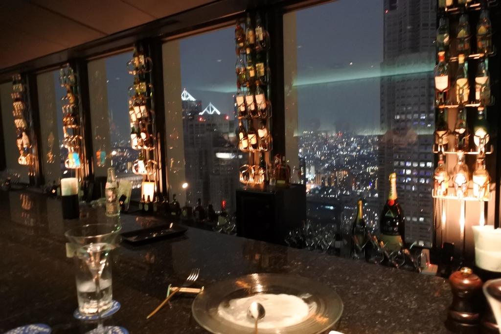 京王プラザホテル「ポールスター」2016年に閉店した西新宿のホテルバー