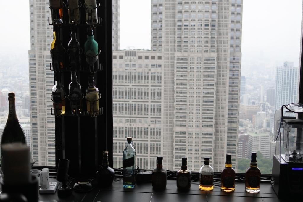 2016年に閉店した、京王プラザホテル「ポールスター」から眺める都庁