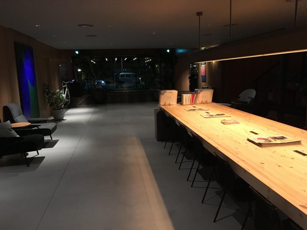 「THE KNOT TOKYO Shinjuku」(ザ ノット 東京新宿)の一階